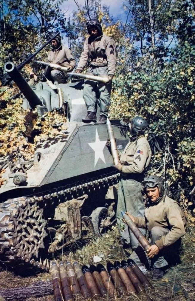 Resupply armored division