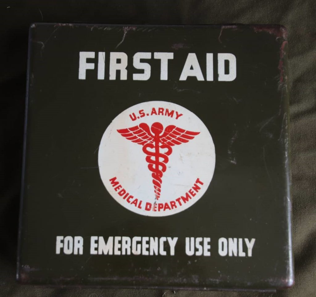 Motor Vehicle First Aid Kit 24-unit